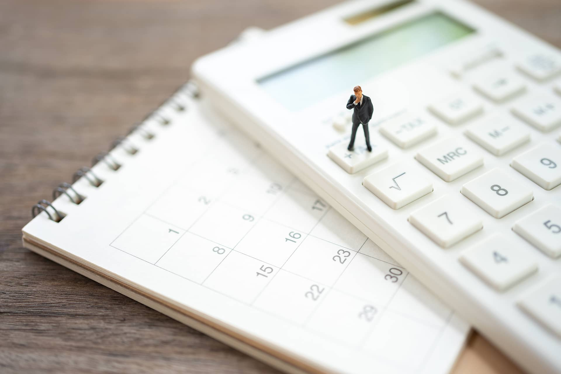 calcular horas trabajo anuales