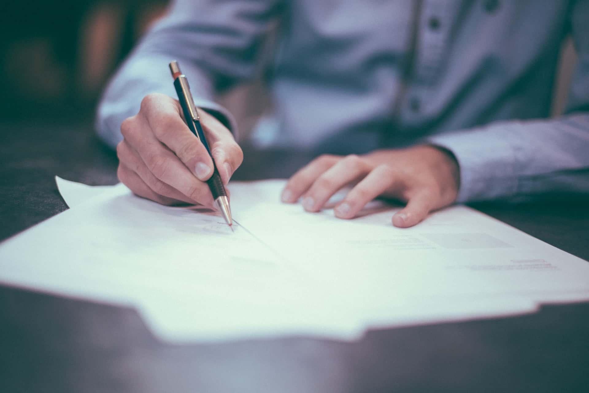 modelo de contrato de compraventa de acciones